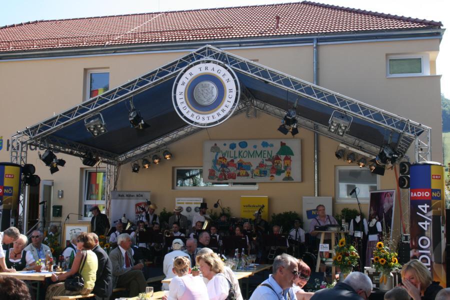 Open Air Bühne mit Radio NÖ